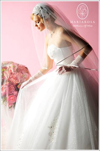 あなたの思い出を彩るキヌヤのレンタルドレス